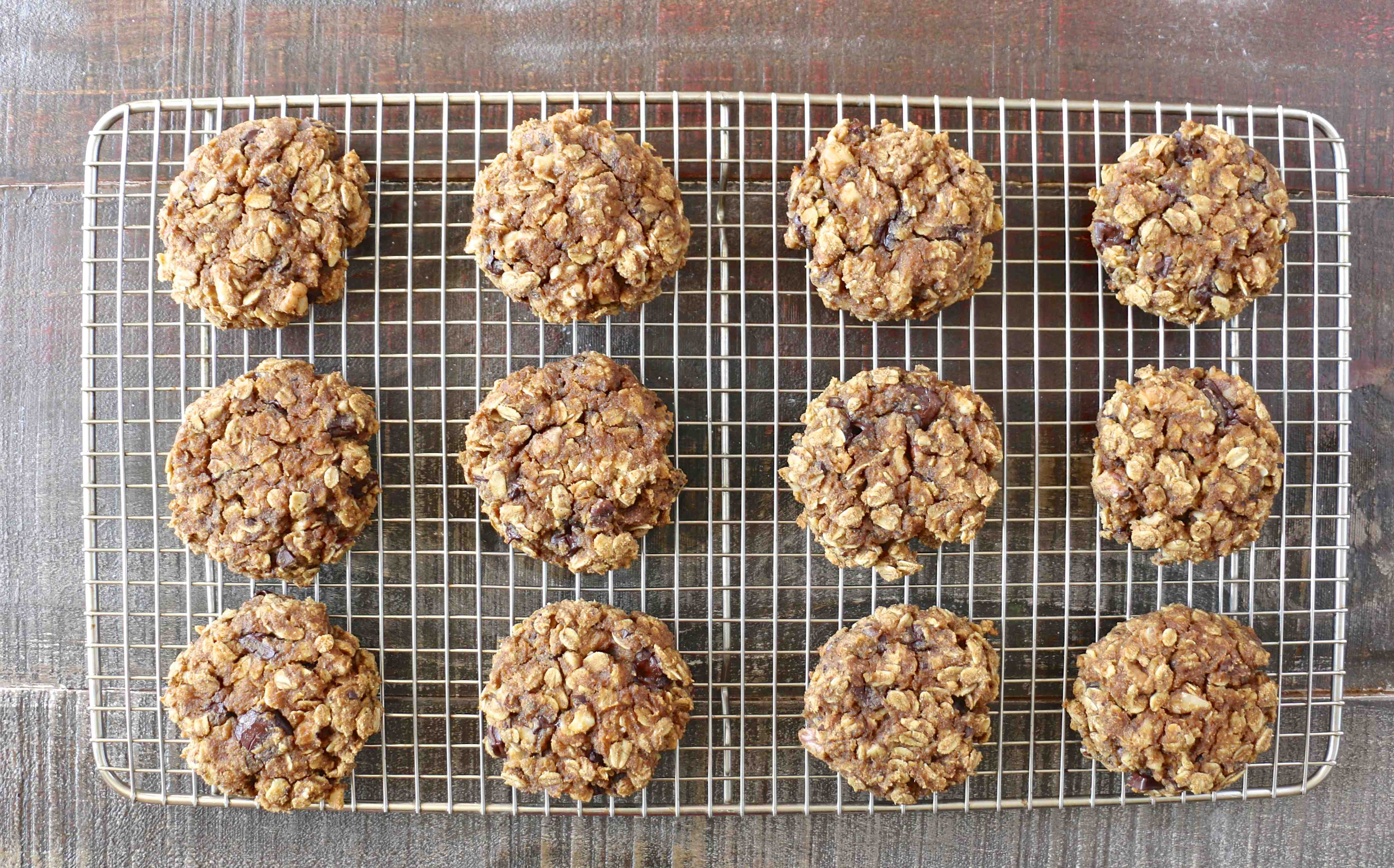 Pumpkin dark chocolate oat cookies