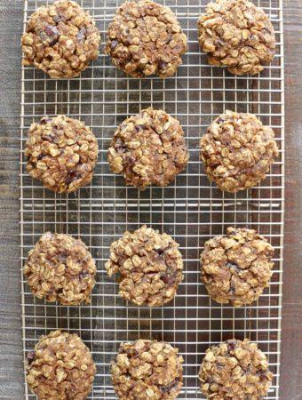 Pumpkin dark chocolate oat cookies